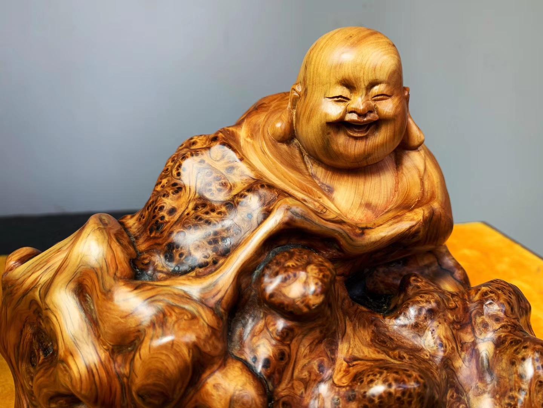 《笑口常开》 弥勒,事事无忧,开心快乐,周皓大师作品,精品崖柏陈化瘤云纹,匠心之作,重2.9斤价格美丽到爆炸