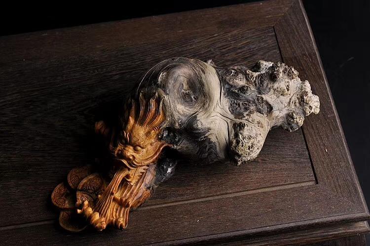 【藏品】【龙龟】招财摆件,下面有开窗,可以完全看到料子本质,正宗变异瘤包蚂蚁腿,升值空间巨大,一年不见几次这料子,而且这么完整的巧雕作品,更是全国难找!